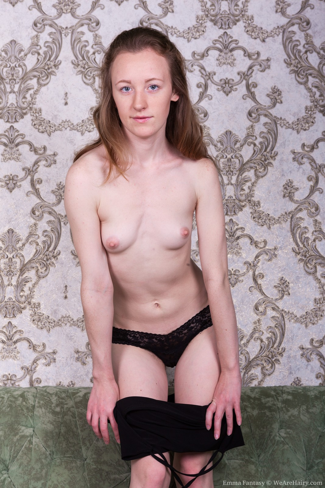 EmmaFantasy_BlackDressGreenSofa_048