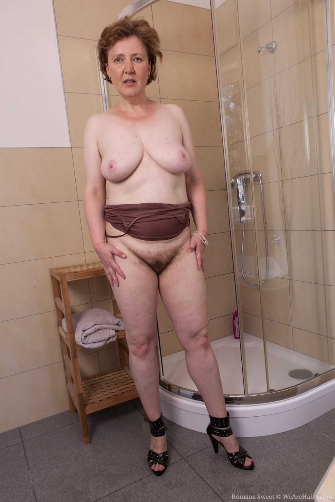 RomanaSweet_ShowerFun_033