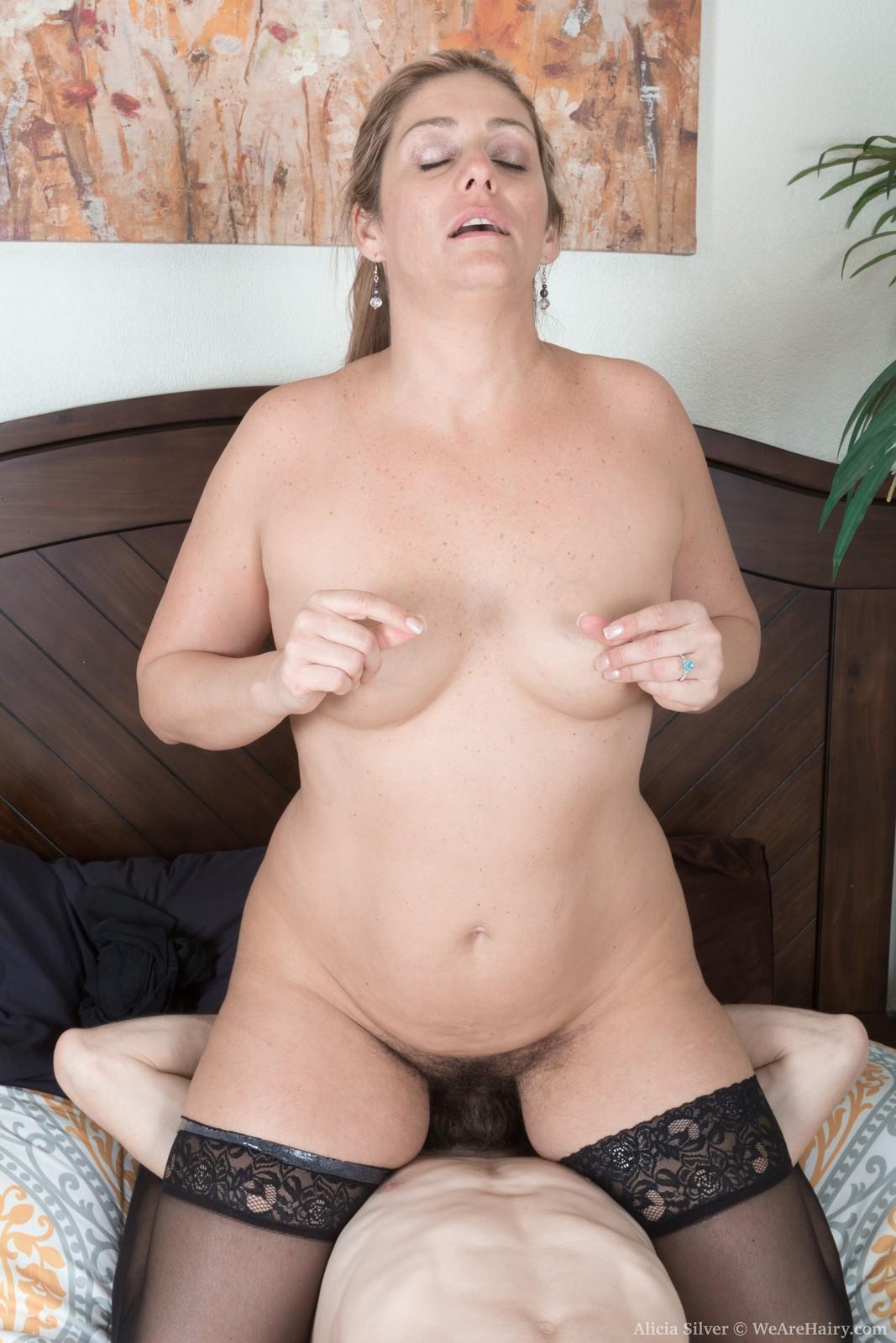 alicia-silver-has-hot-sex-in-her-bedroom7.jpg