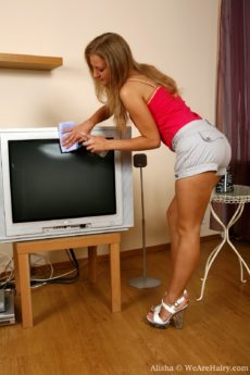 Alisha does a bit of pleasureful spring cleaning