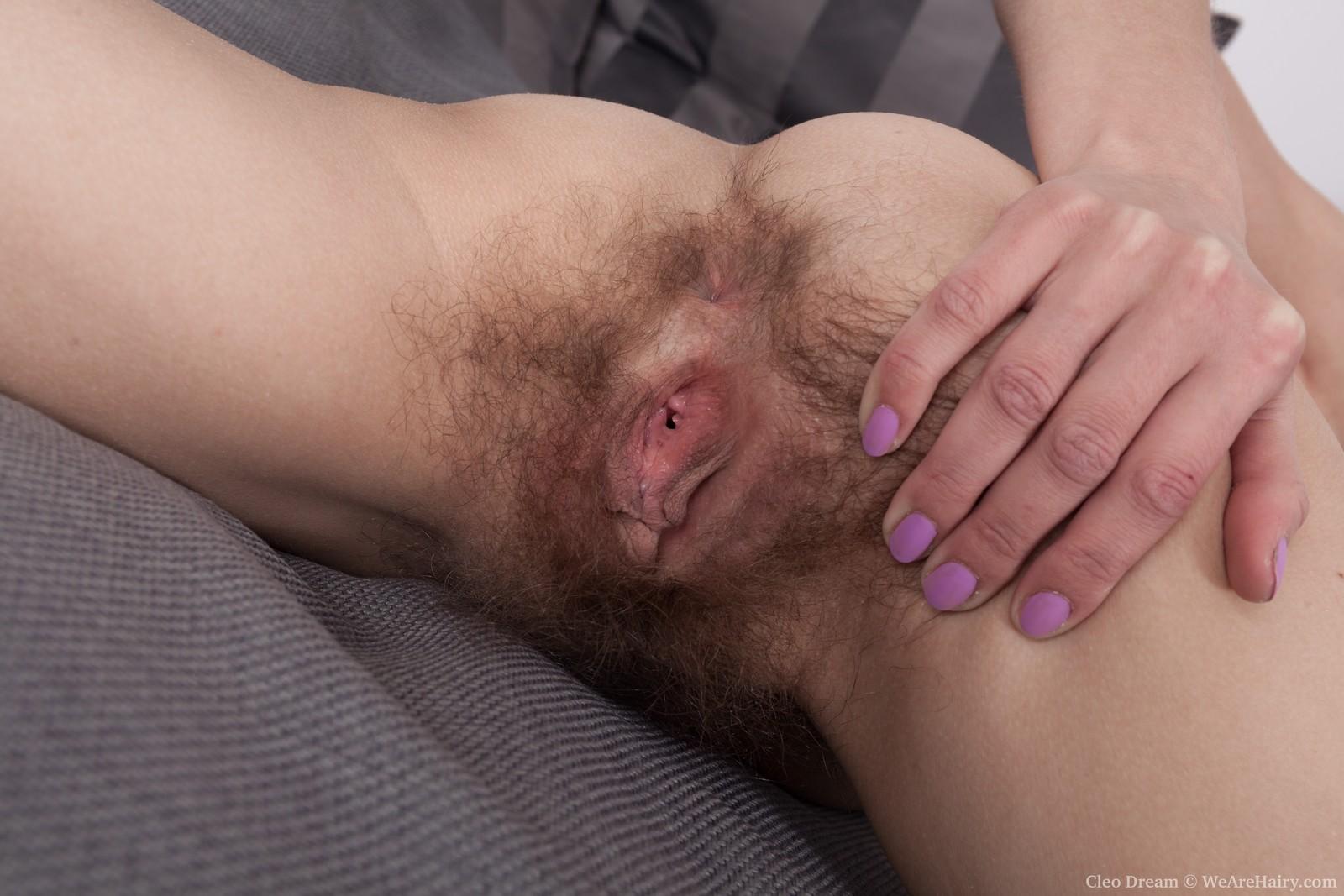 cleo-dream-slides-off-her-black-lingerie-in-bed12.jpg