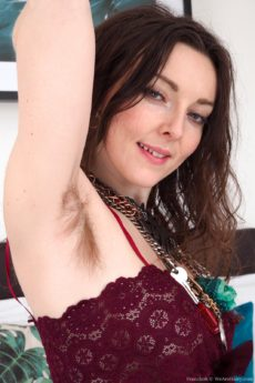 Brunette amateur Franckoh strips and shows how hairy her whole body is