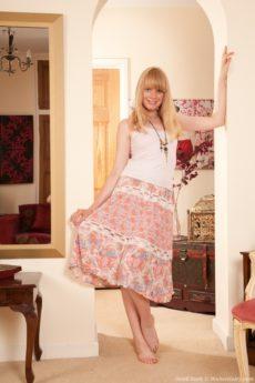 Hot Heidi Bush in a Sunday dress strip