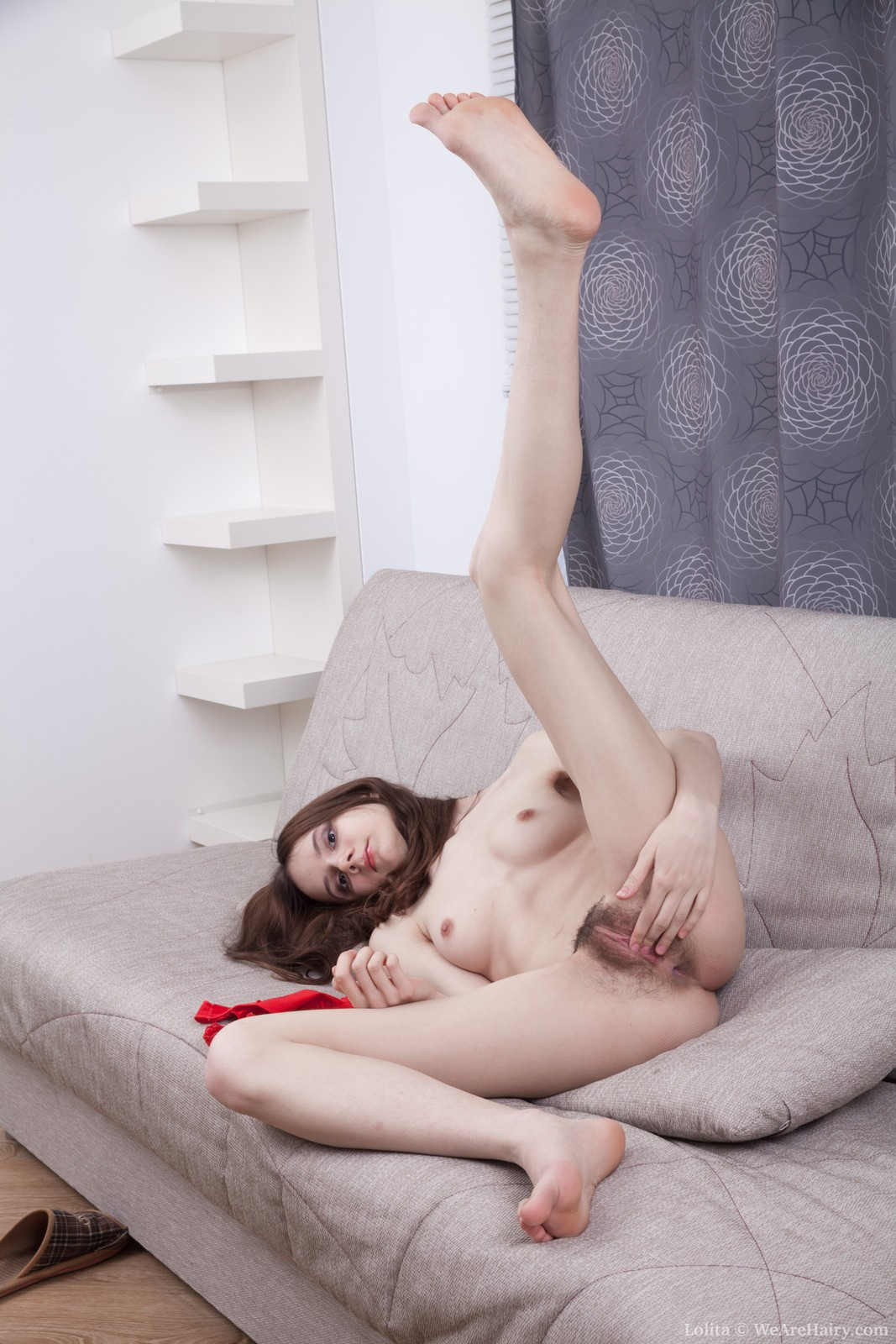 lolita-strips-and-masturbates-after-stargazing14.jpg