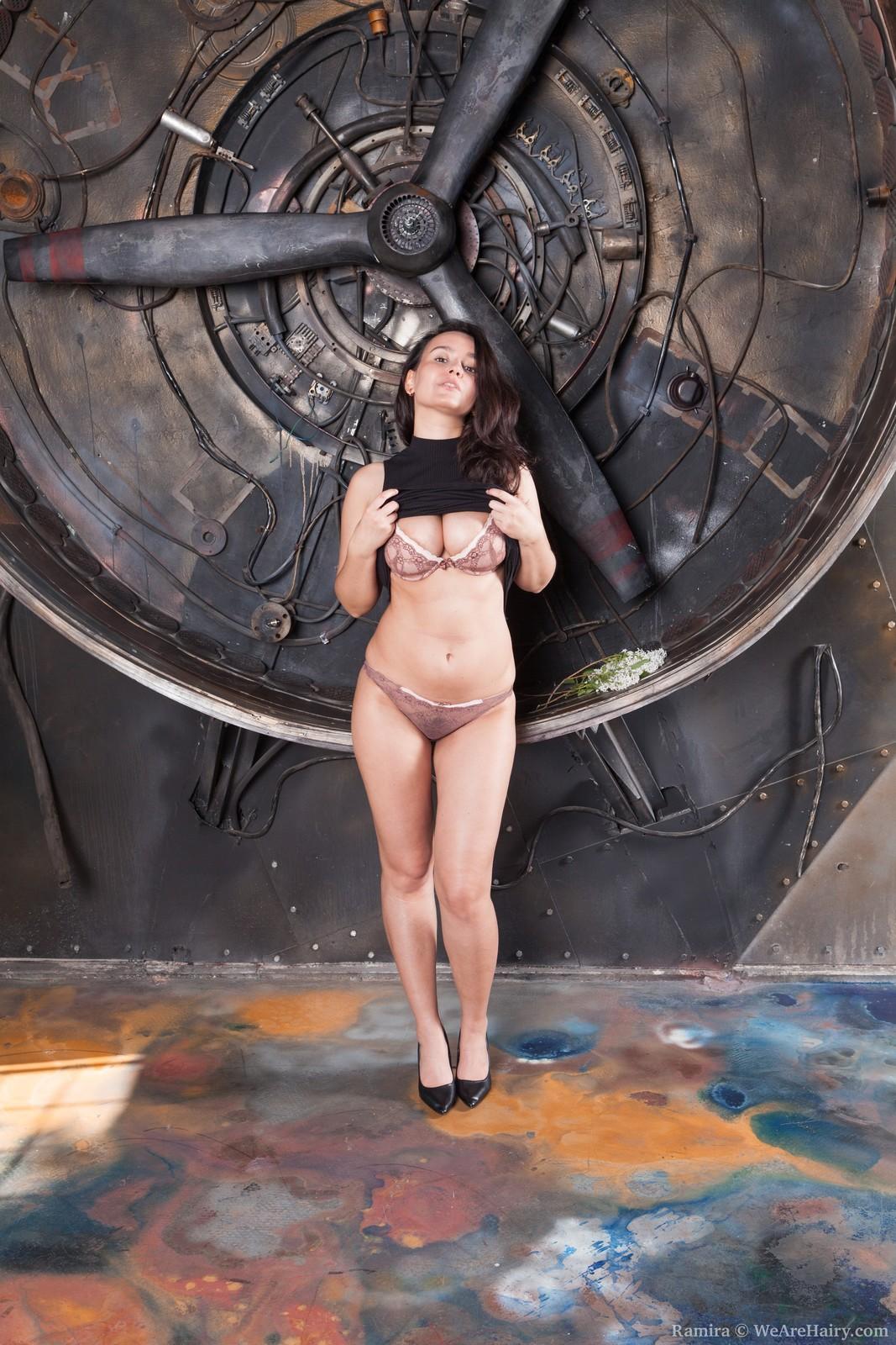 Busty curvy cutie Ramira is proud of her nude hairy figure