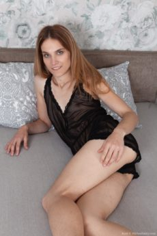 Skinny unshaven amateur Rosi slips off her lingerie to model her fur