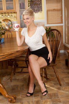 Sexy Chloe Camilla finishes her tea