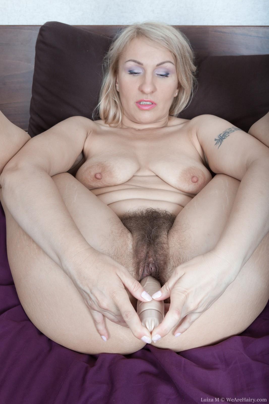 wpid-luiza-m-masturbates-with-her-vibrator14.jpg