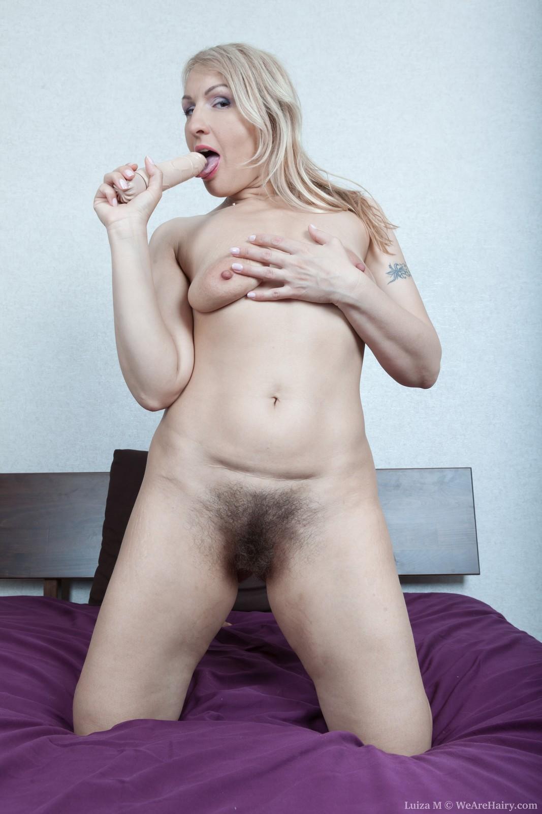 wpid-luiza-m-masturbates-with-her-vibrator16.jpg