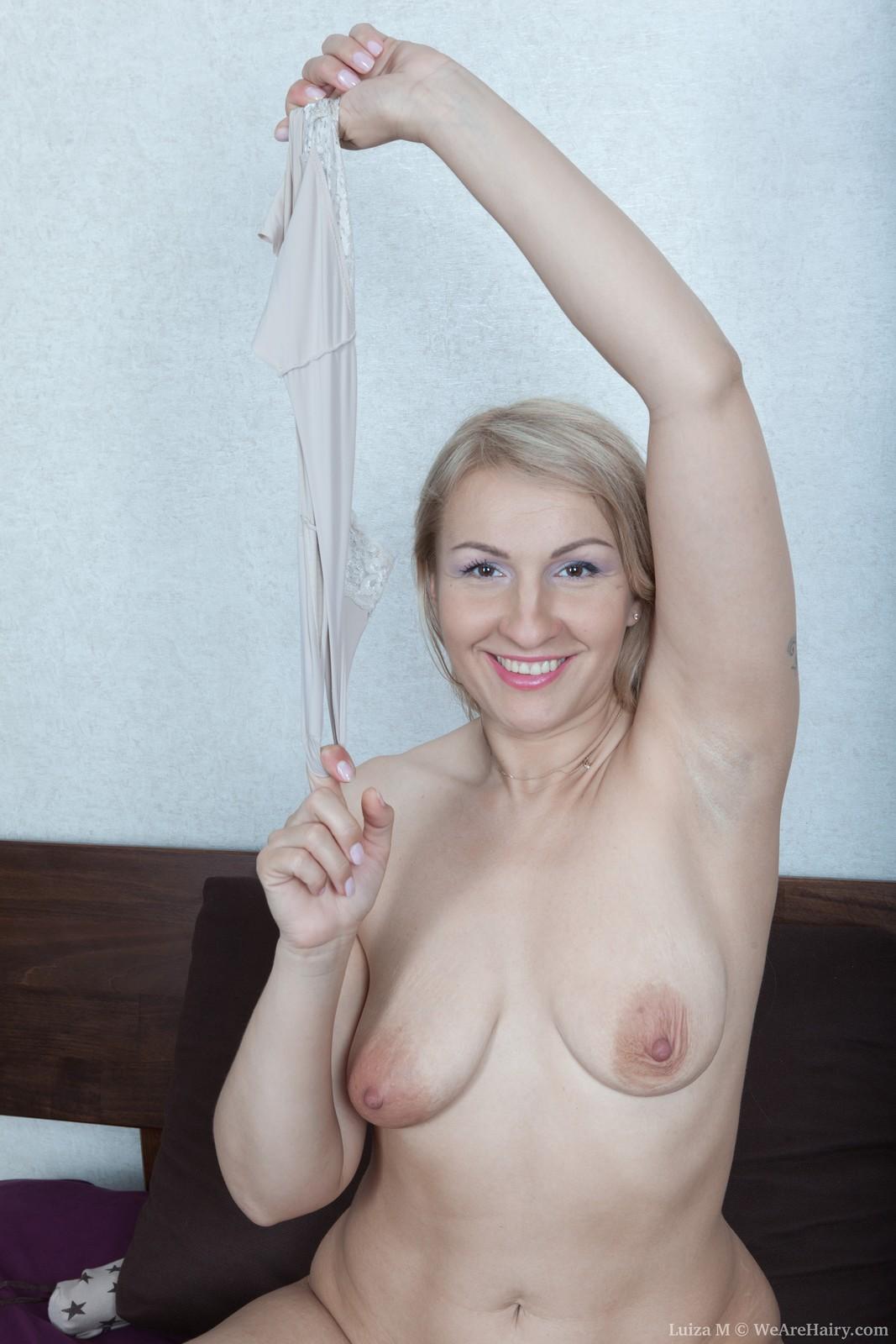 wpid-luiza-m-masturbates-with-her-vibrator7.jpg
